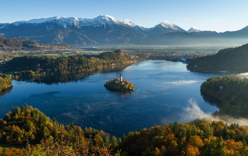 MaroWays Breath-taking panorama on the lake Bled, the island and the Alps